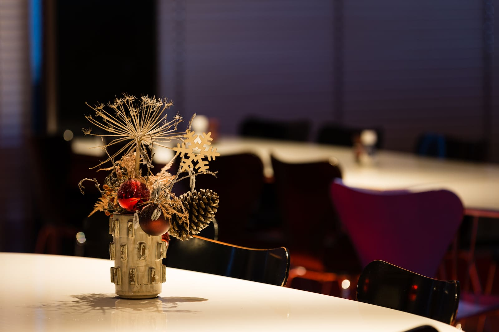 Bas de Boer Eventstyling Weihnachtsdekoration Traditional Tischdekoration weihnachtsfeier www.basdeboer eventstyling.de .jpg - Weihnachtsfeier Eventstyling