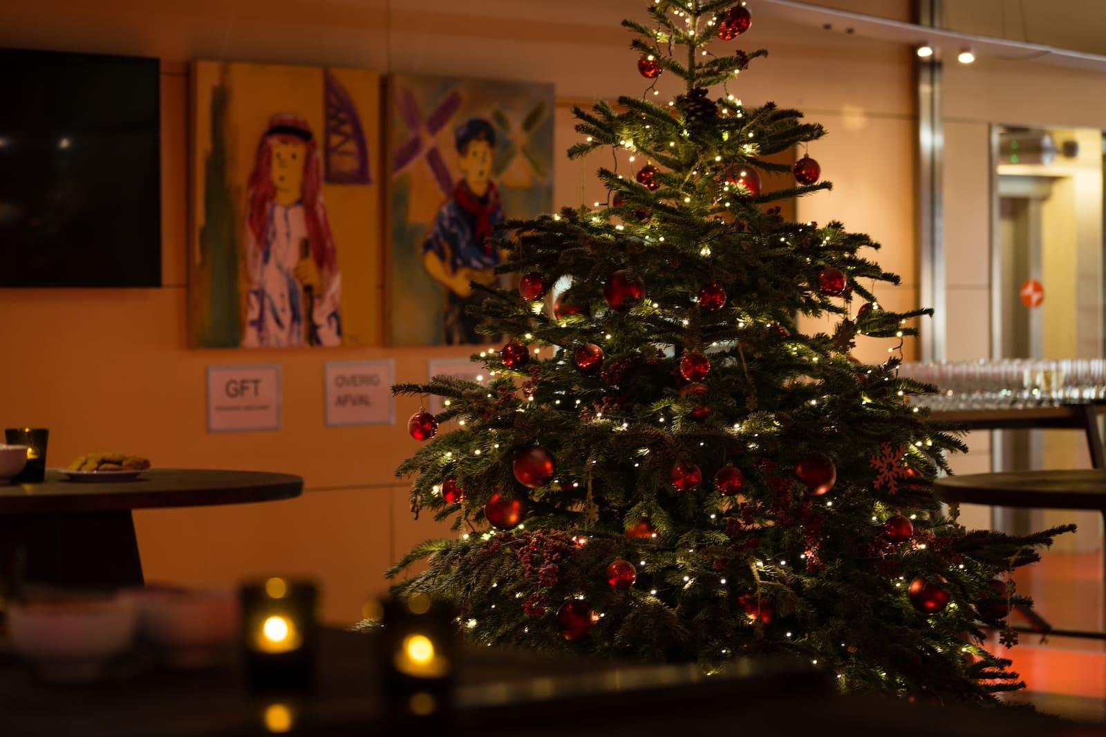 Bas de Boer Eventstyling Weihnachtsdekoration Traditional Weihnachtsbaum weihnachtsfeier www.basdeboer eventstyling.de  - Weihnachtsfeier Eventstyling