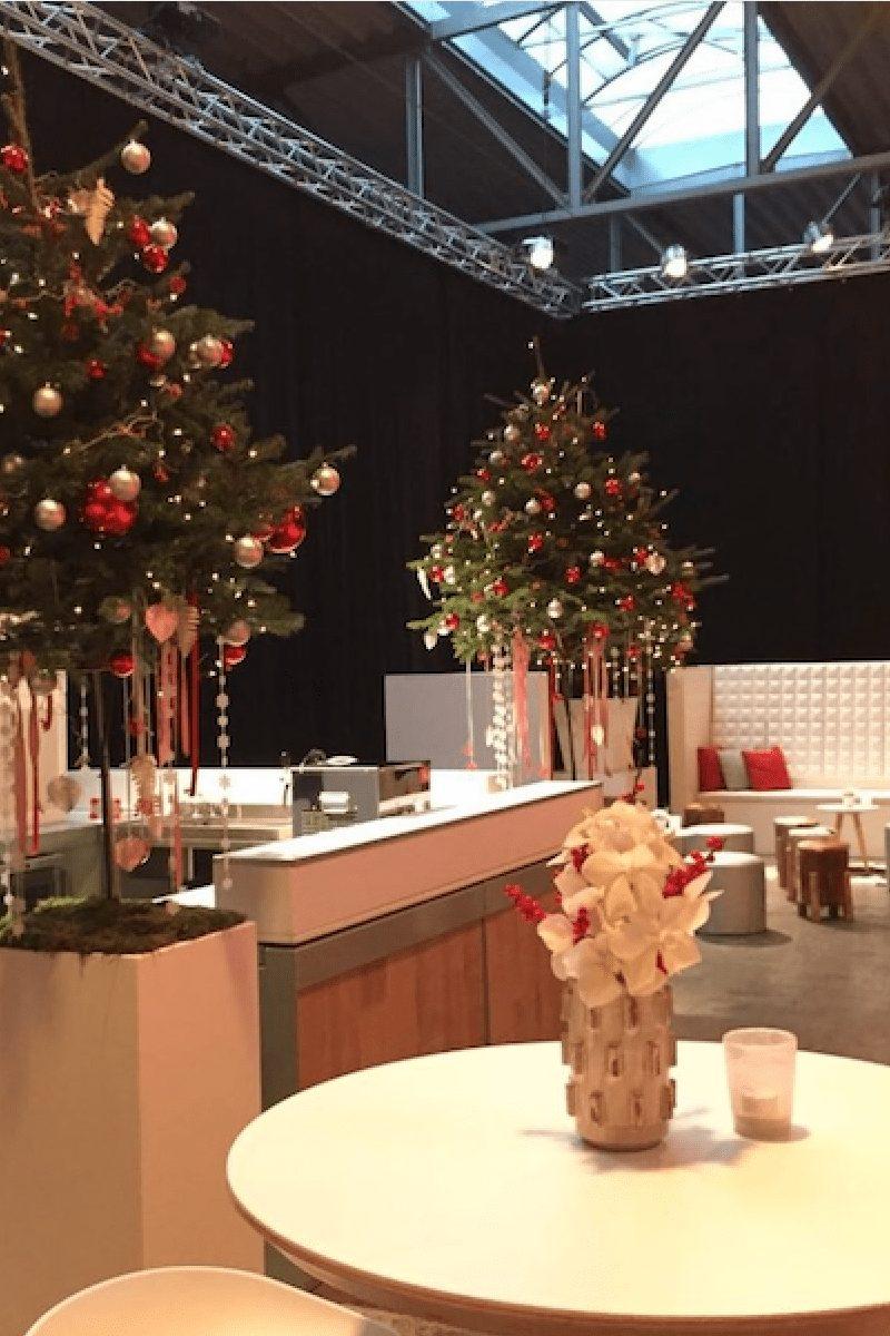 Bas de Boer Eventstyling Firmen Weihnachtsfeier mit Weihnachtsbäemen Weihnachtsdeko Loungen Tresen 2017  - Weihnachtsdeko LOOKBOOK